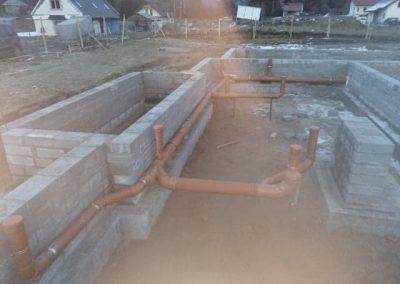 Rozprowadzenie kanalizacji pod budynkiem